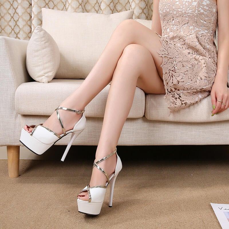 【推薦】防水臺高跟鞋女細跟魚嘴鞋2021春季新款時裝夜場交叉帶羅馬涼鞋女