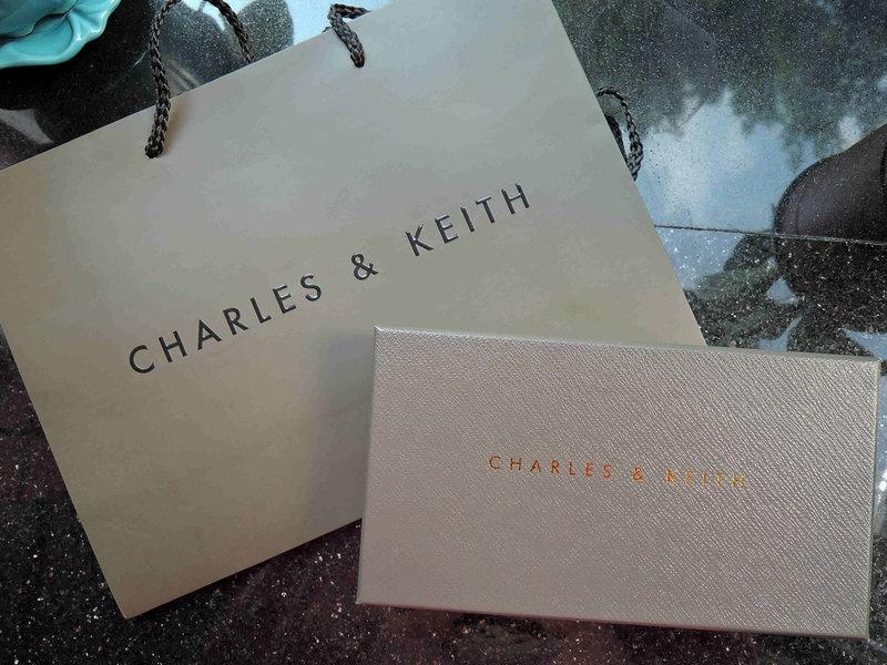 Charles & Keith 小ck 新加坡 全新紙袋 皮夾 紙盒 防塵袋 送禮好選擇
