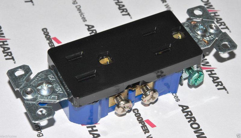 美國COOPER 黑色方形插座 1107-9BK 15A 125V NEMA 5-15 (DECORATOR型)