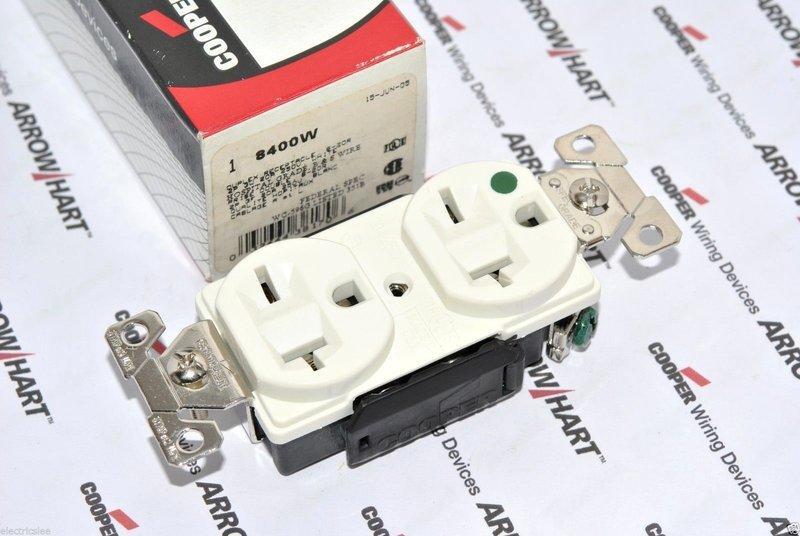 美國COOPER AH8400W 20A 250V 白色 高級醫療級插座 NEMA 6-20 DUPLEX型
