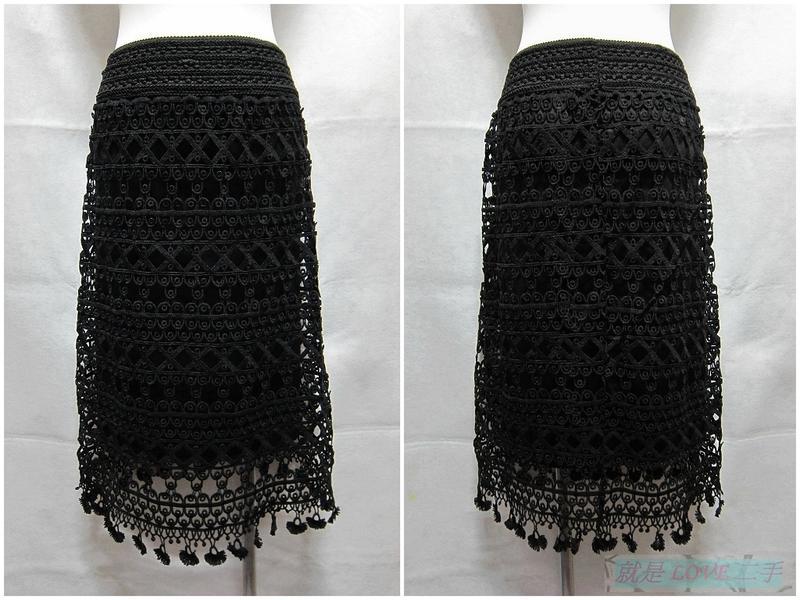 {就是愛二手} 店長推薦 黑色 氣質修身款 鬆緊腰頭 雙層鏤空布蕾絲設計 及膝裙 中長裙 裙子 超值推薦~