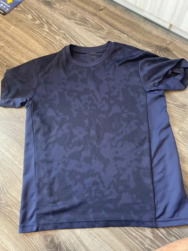 8成新 UNIQLO 透氣排汗衫 AIRISM 圓領T恤短袖