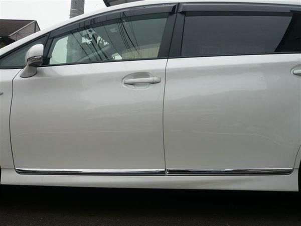 (逸軒自動車)2010~2013 New Wish 原廠部品 鍍絡 車側飾條 電鍍飾條