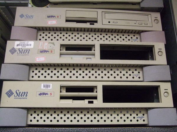 SUN Microsystems Ultra 5 Ultrasparc workstation 伺服器