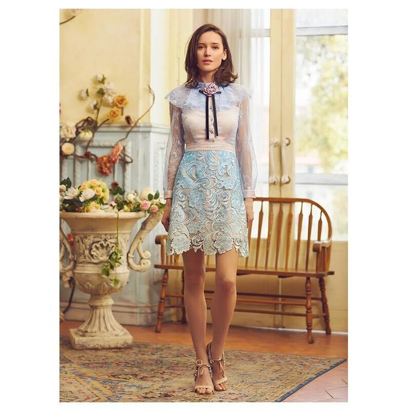 2885#藍色花朵蕾絲拼接連衣裙新款藍色網紗裙子拼接蕾絲鏤空連衣
