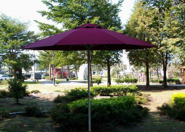 [兄弟牌戶外休閒傢俱]7尺太陽傘~玻璃纖維骨+鐵柄烤漆防水太陽傘(酒紅色 米白色 綠色選210cm)~庭園桌椅休閒桌椅!