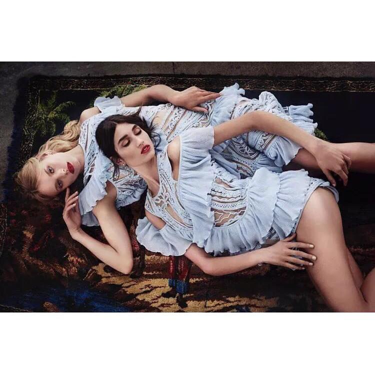 2842#AliceMcCall冰藍色仙氣露肩款鏤空蕾絲褶邊飛邊連體褲