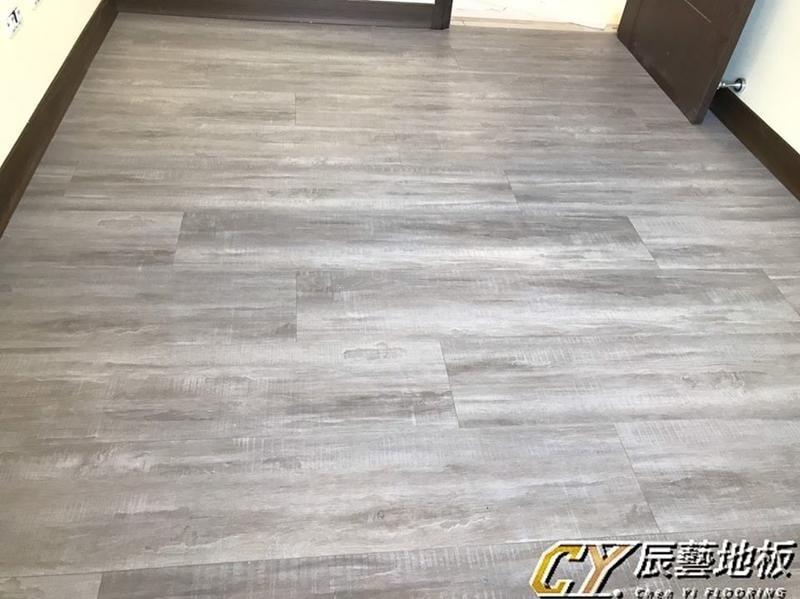 辰藝地板在案場實例~新竹縣政二路(文華匯)7.8吋超耐磨 - 西雅圖橡木/坎貝爾橡木