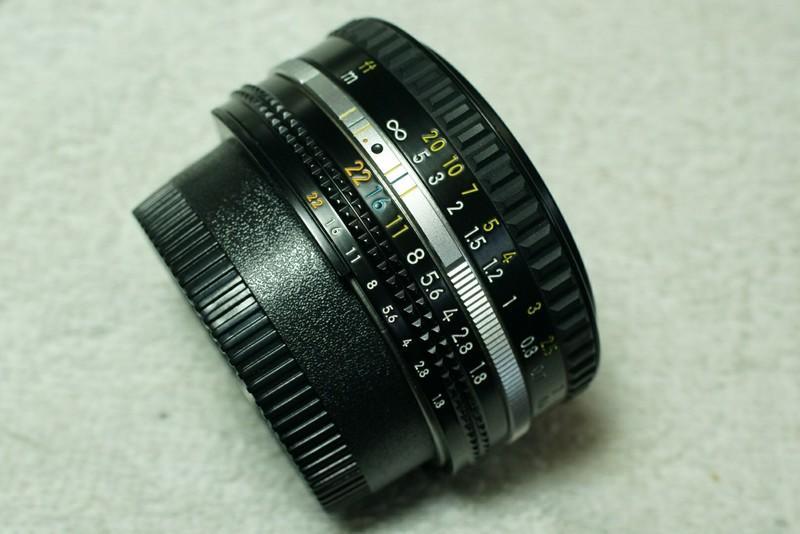 日本國內版:Nikon [ Nikkor 50mm F1.8 大光圈標準鏡頭 ]。(日本版 AIS 版 餅乾鏡 FM2