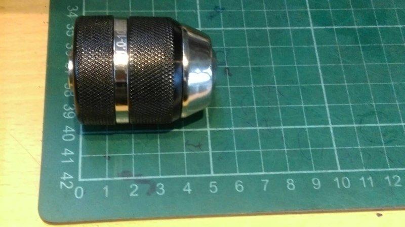 屬殼(黑色)3分快速自動夾頭(三分三爪夾頭有鎖定功能) ,適用換於一般三分電鑽與3分震動電鑽震動電鑽