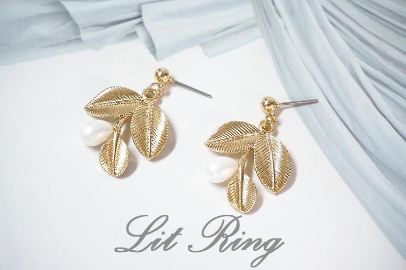 【Lit Ring】金色樹葉刻花珍珠耳環。 氣質 水滴 珍珠 葉子 葉片 花朵 耳針 耳飾 耳夾 夾式耳環 耳環 飾品