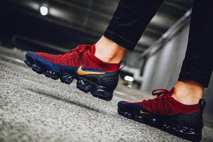 9527 Nike Air Vapormax FK 2 編織 慢跑鞋 942842-604 酒紅藍黃 巴塞隆納