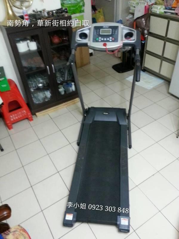 二手 life gear 跑步機 9.9成新  直購價7000元  南勢角 華新街 相約自取