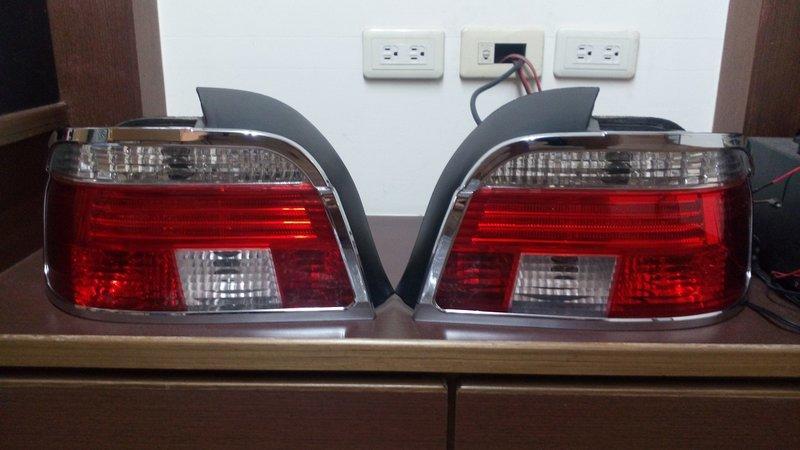 售 BMW E39 尾燈 燈殼DEPO 原廠燈座電路板 含 鍍鉻框 一組含運費