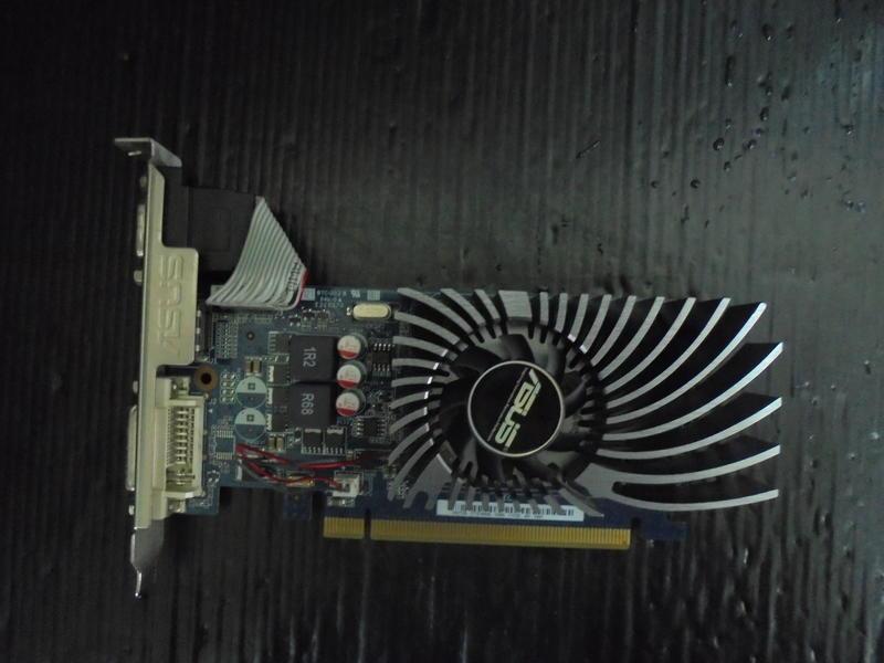 華碩ASUS ENGT530/DI/2GD3/DP (GT530 DDR3 2G-128bit)