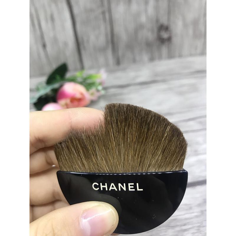 美妝工具 –Chanel 香奈兒風格 小香風香奈兒散粉蜜粉弧形刷/半圓散粉刷/腮紅刷/陰影刷_少量現貨
