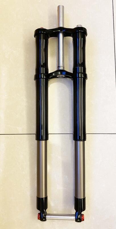 限時降價~ 稀有26吋碳纖維雙肩倒叉DH避震器