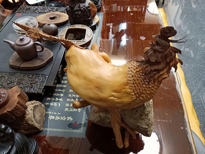 [台南寶麗古典傢俱藝品館]~(機(雞)會雙贏(雙鷹)(贏得先機)~天然黃楊樹頭~三義木雕老師作品~長50寬30高40公分