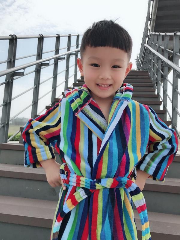 ((偉榮毛巾))t100%純棉彩色條紋S號兒童浴袍--連帽有可愛的小耳朵=讓baby溫暖過冬【90-120cm】