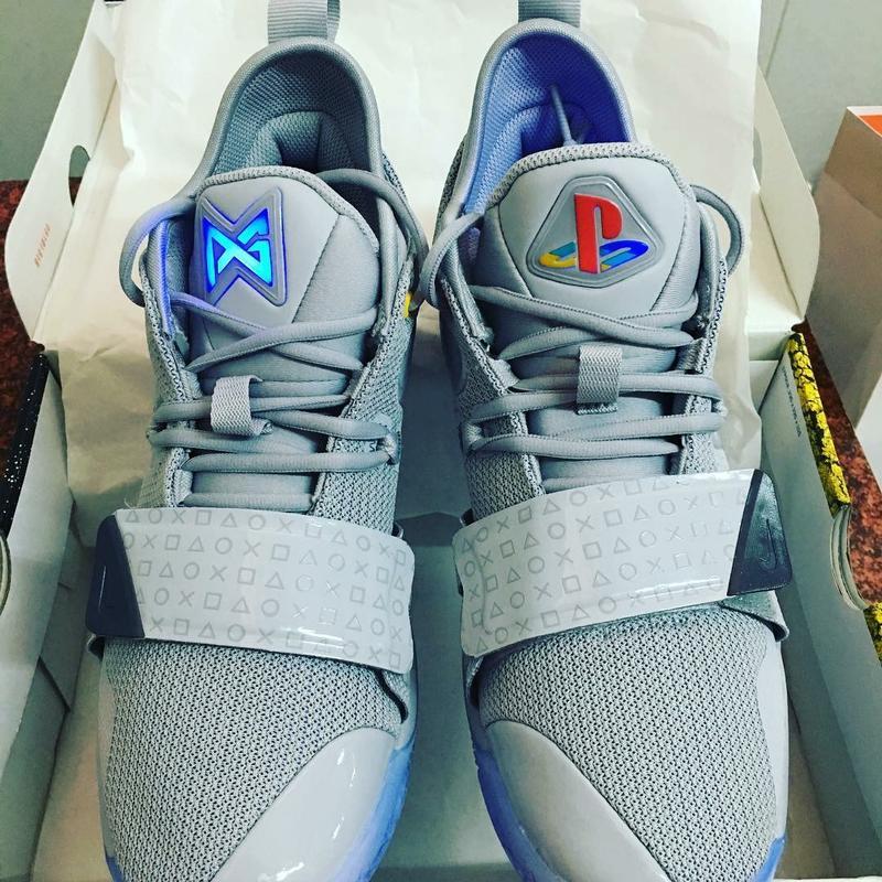 finest selection b174f 93af3 NIKE x pg2.5 PlayStation 台灣公司貨!現貨!鞋舌會發光,電玩迷絕對不要錯過!激限量!