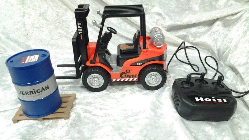薇妮小舖(玩具部)遙控推高機 遙控工程車 自排遙控堆高機 遙控車 遙控汽車 兒童玩具(直購價:185元)