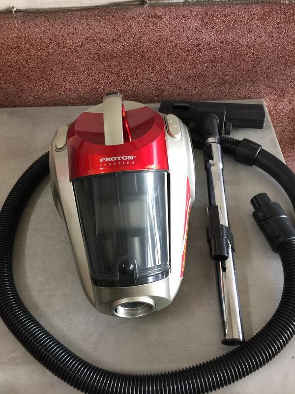 賣一台便宜的「PROTON 普騰吸塵器」,歡迎來電詢問,感謝您!