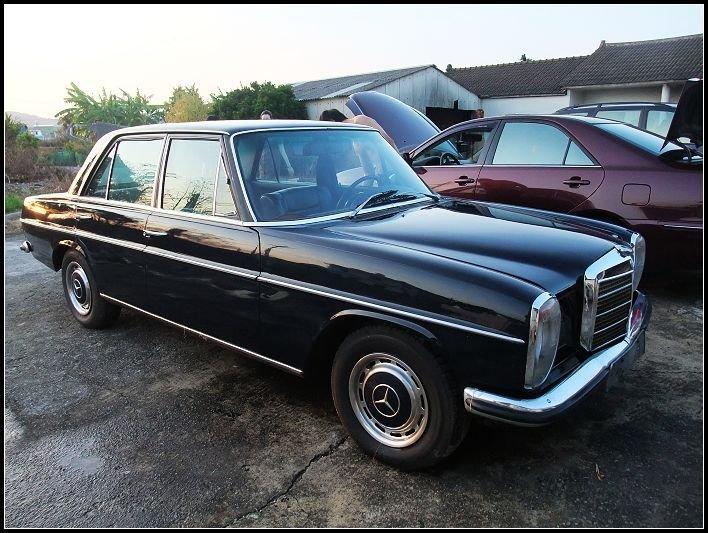 《老車夜總會 1950-1990》W114.W115.W123.W108.C200.賓士.老賓士.老車.老車零件.可參考