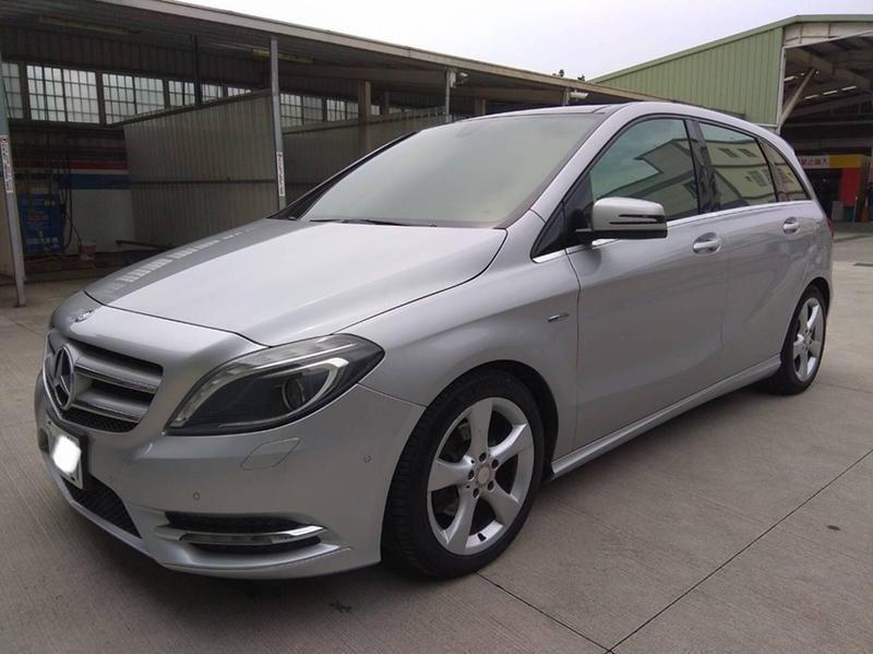 中華賓士 M Benz B200 CDI 柴油引擎 銀色 全景天窗 已售出!