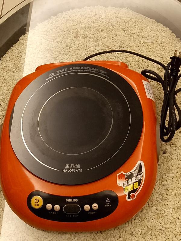 【轉賣】Small-Bear~【Philips 飛利浦】不挑鍋萬用黑晶爐-活力紅(HD4989) .95成新