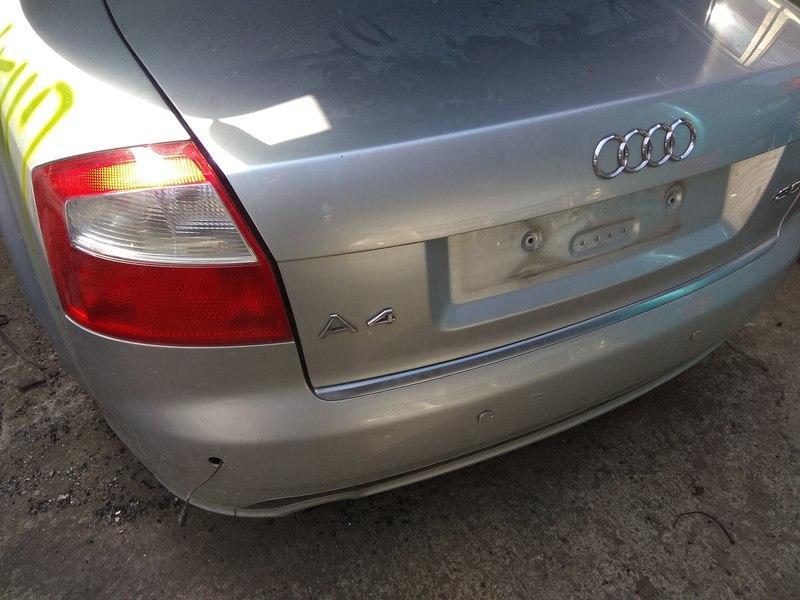 奧迪AUDI A4 B6 B7/B8零件車拆賣後視鏡儀表板鋁圈方向盤保桿尾燈引擎蓋大燈座椅發電機壓縮機音響冷氣面板ABS