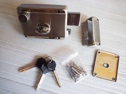 元山五金強棒牌白鐵無拉板四段鎖 門鎖 專利超強防橇防夾防撥型