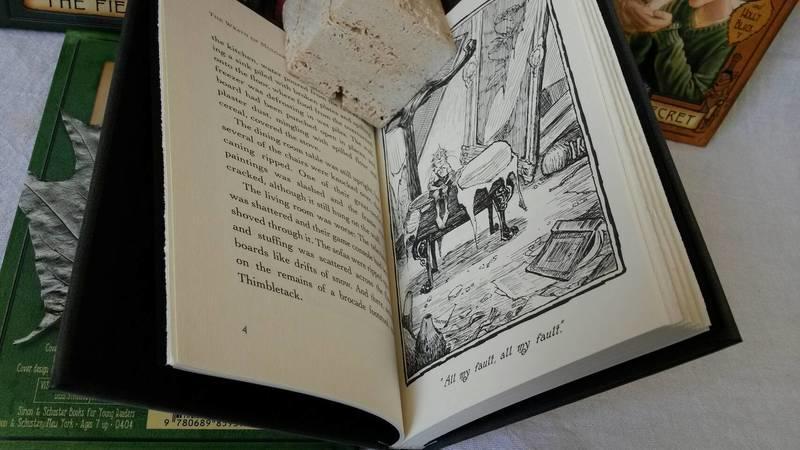 預售《The Spiderwick Chronicles》奇幻精靈事件簿 1-5 集,精裝盒裝,近全新 原價$1700