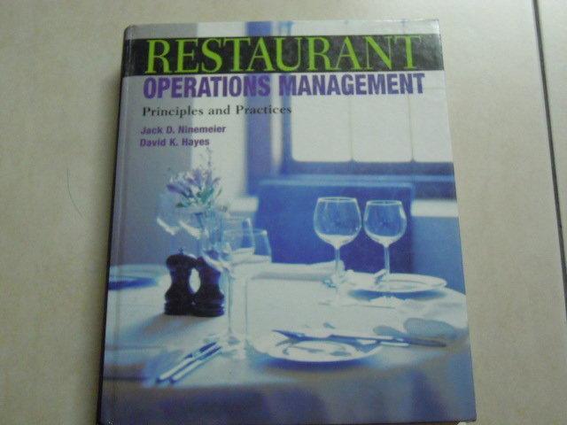【森林二手書】《Restaurant Operations Management》ISBN:0131100904
