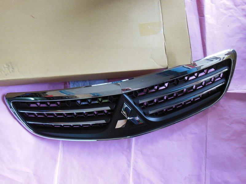 冠勝車材 三菱 SAVRIN 2010 水箱外罩