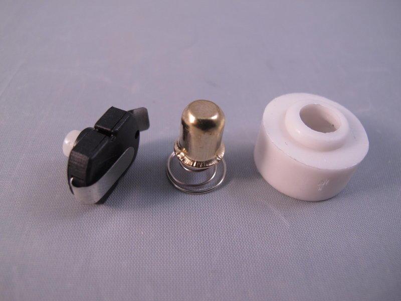 高雄小曾手電 大型 CREE Q5 R2 T6 變焦手電筒開關總成