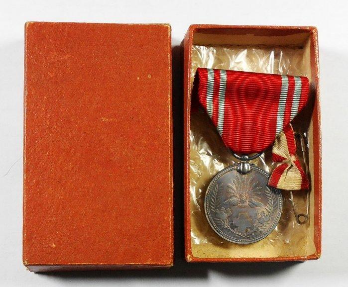 RR551 明治二十一年徽章 赤十字社員章 盒裝 銀章