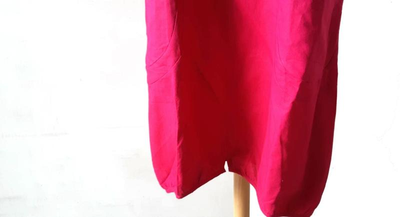 【荷湘田】夏裝--復古風圓領雙口袋簡約修身寬鬆款舒適無袖長版衣長背心