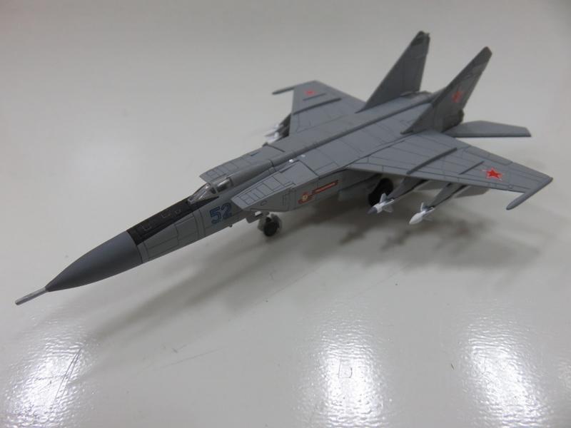 宗鑫貿易 Herpa Wings HW558686 Mig 25 PDS 前蘇聯空軍 駐烏克藍基地塗裝