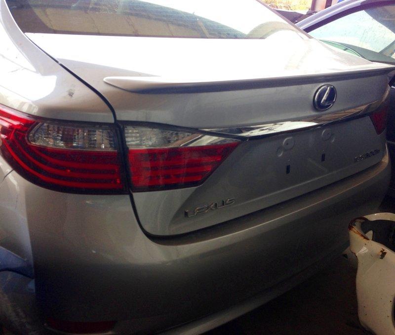 ((鎧運汽車))報廢 中古 零件車  Lexus凌志 ES系列 油電混合 ES300H 黑色內裝 全車拆開賣