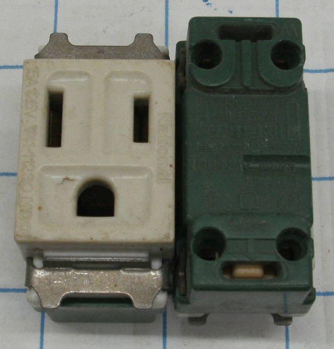 松下電工 Φ1.6 Φ2Cu 3孔 2扁1圓 插座 新店區可自取議價