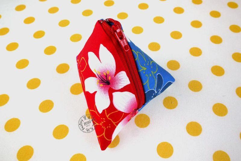 【寶貝童玩天地】【HO062-4】客家花布 粽子零錢包 粽子包 雙色款 台灣製 1個95元 - 國慶款