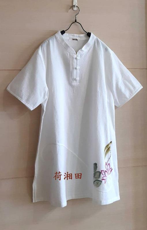 【荷湘田】夏裝--復古風純色三盤扣衣角處手繪荷花圖騰長版款舒適棉衣布衣茶服