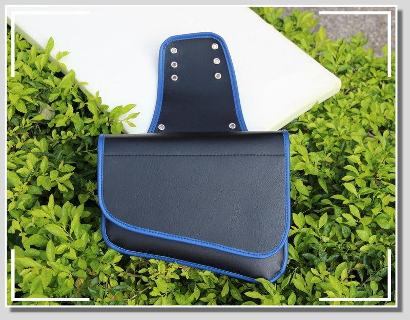 【新洽興_機車馬鞍袋】 -- PU黑色皮革(藍邊)--斜式--純魔鬼氈(1個)