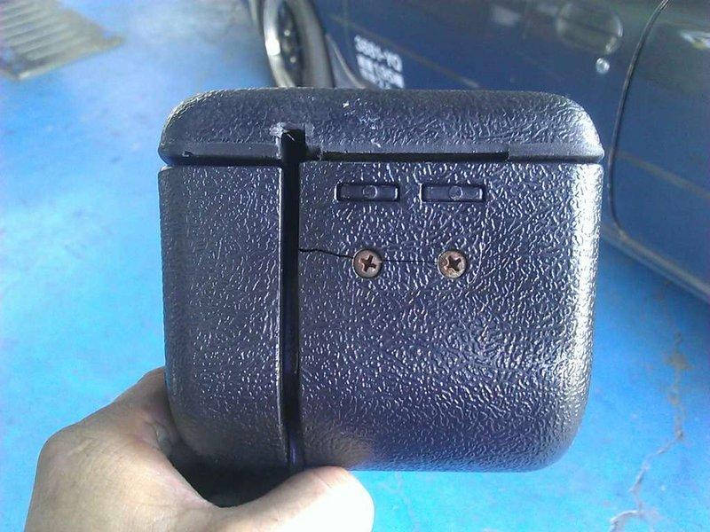 非1元直購!VW 福斯 帕沙 PASSAT B4 VARIANT 中央扶手.置物盒