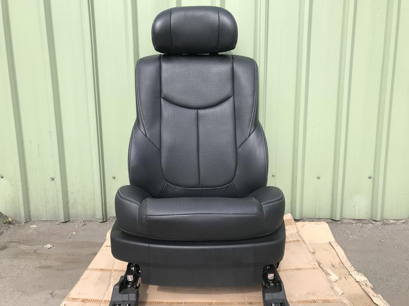 納智捷SUV前座電動椅組(L+R)