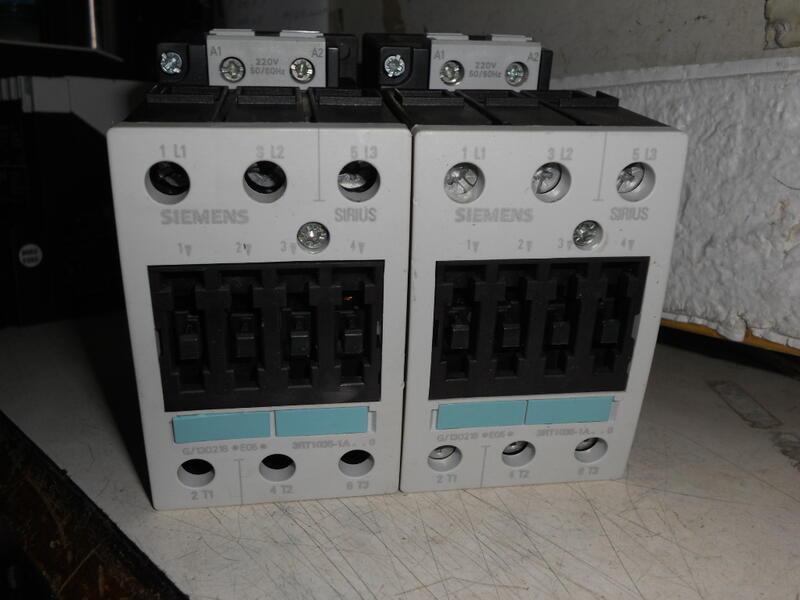 SIEMENS西門子 接觸器 3RT1035-1A 電磁開關 AC220V   (D2)