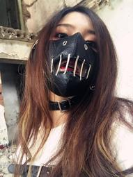 地獄面罩 困獸-頭戴式口罩 仿皮金屬 鉚釘鏤空 防咬面罩 沈默羔羊 食屍鬼 金木研  罪惡 自由剝奪  罪犯防護 困獸面