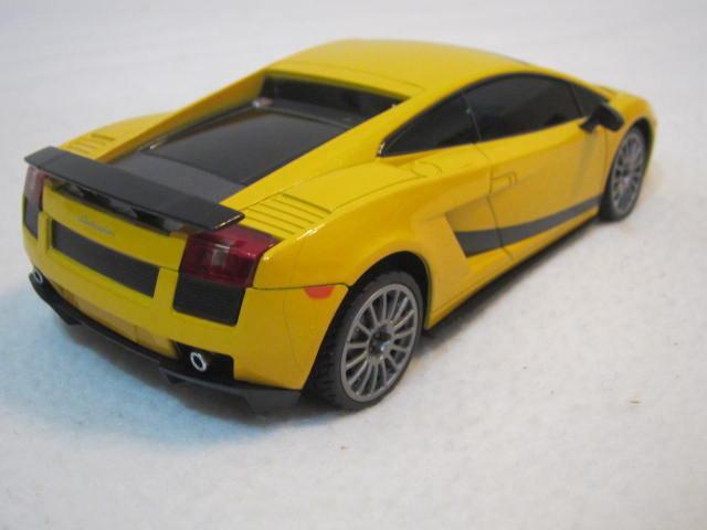 1:24(1/24)全新藍寶堅尼(藍寶基尼)LAMBOGHINI GALLARDO LP560-4黃色擬真烤漆原廠授權遙控車(RASTAR瑪琍歐公司貨)