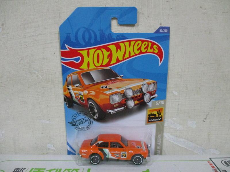 美捷輪多美汽車風火輪1:64合金車70 FORD Escort RS1600福特雅士拉力賽車固特異輪胎版八十一元起標