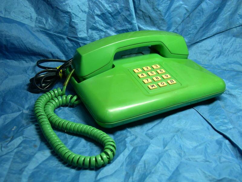 [布列格]早期電話 老電話 按鍵電話 TA-203 綠色 擺飾 收藏 (請看說明欄) (101)